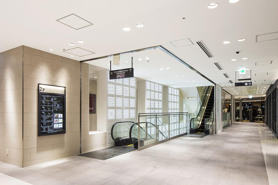 JR鹿児島中央駅コンコースと直接繋がる2階共用部